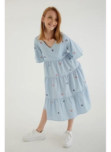 Modaset Modaset Elbise V Yaka Kısa Kollu Uzun Nakış İşlemeli Poplin Kadın Elbise Mavi